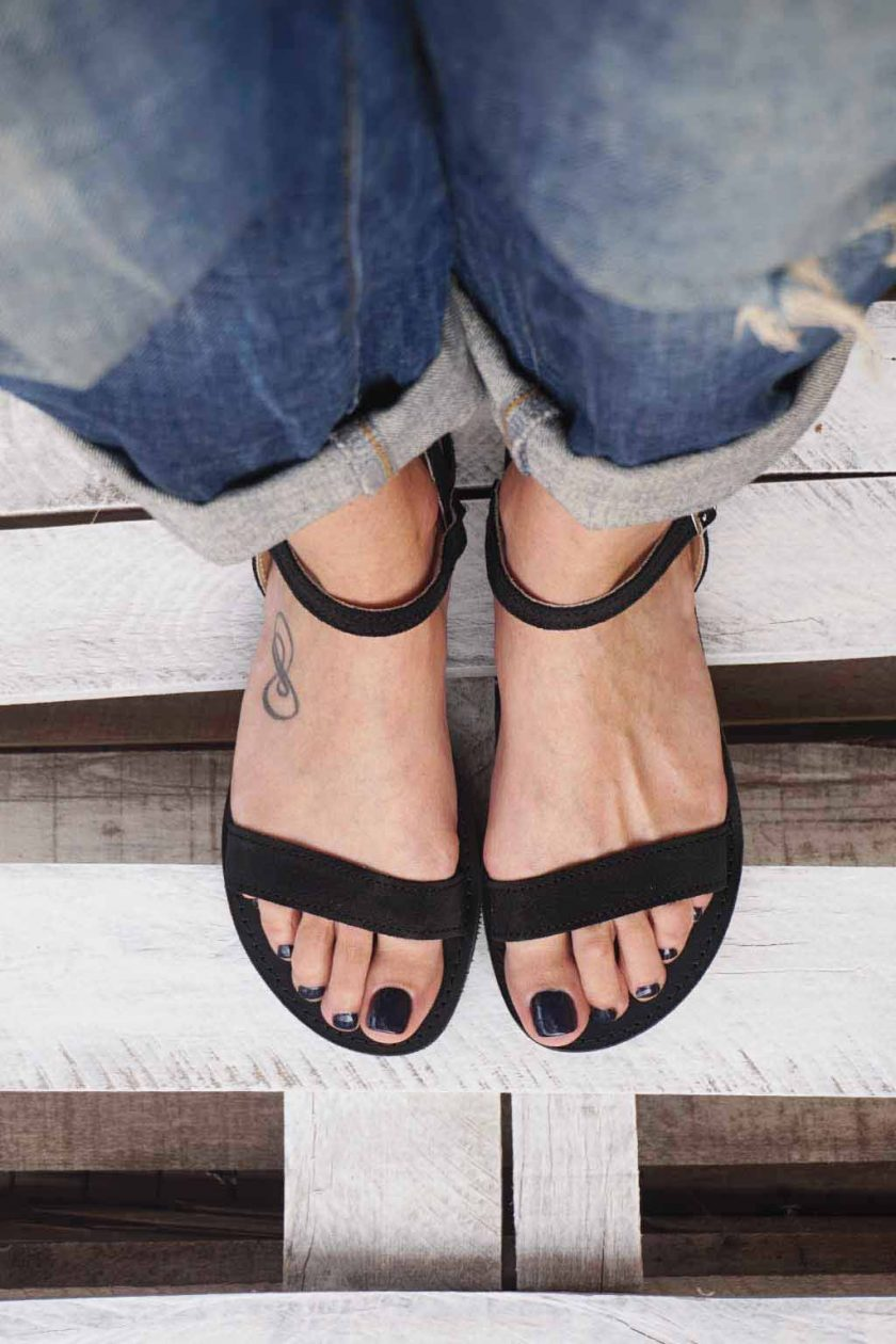 Czarne sandały ze skóry naturalnej FUNKY CASUAL