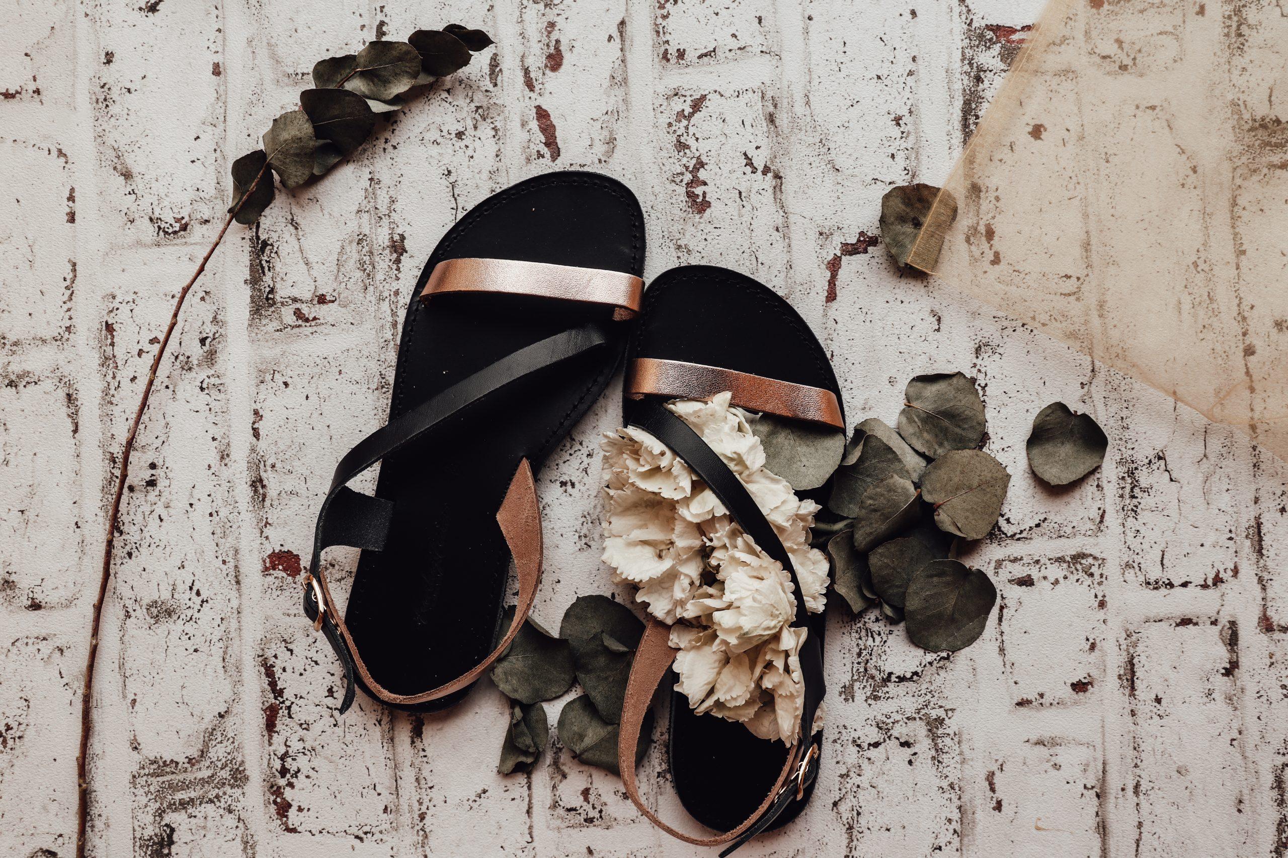 Sandały damskie ze skóry naturalnej FUNKY STRIPES, czarne