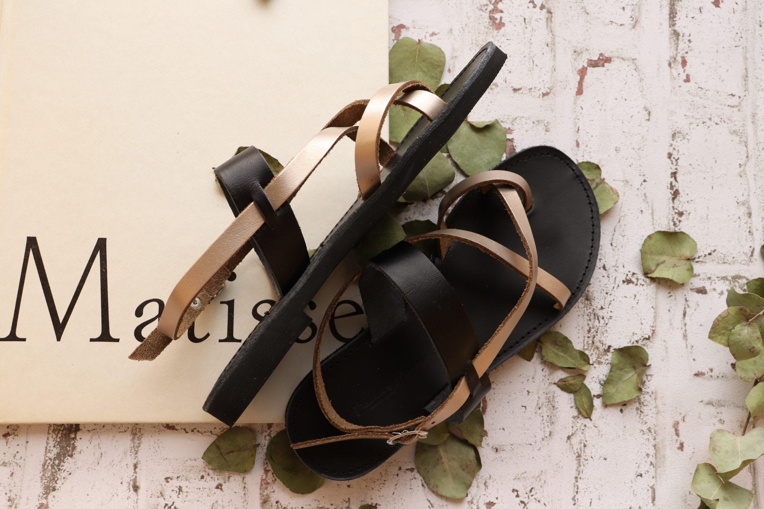 Sandały greckie FUNKY PEOPLE, odcień metaliczny